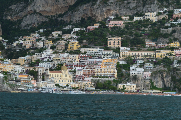 Positano… I spy Le Sirenuse somewhere in there, can you?